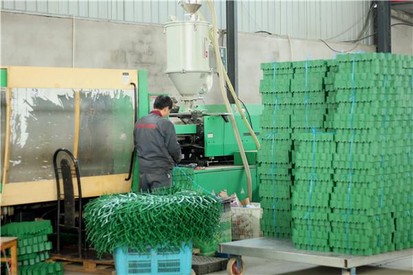 植草格生产设备
