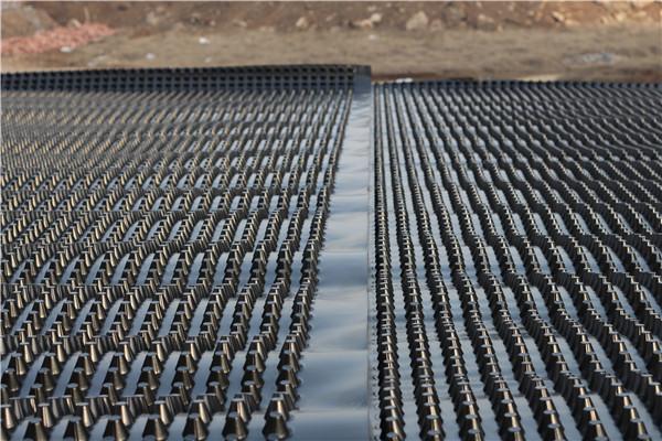 塑料排水板操作规程_塑料防护排水板施工剖面图_泰安市达兴土工合成材料有限公司