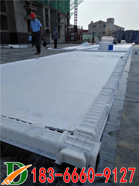 PED14高分子防护排水异形片自粘土工布